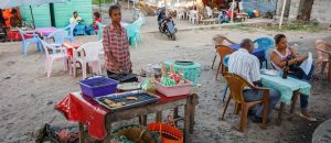 madagaskar gaturestaurang panorma 300x130 - Street Stall With Fast Food, Madagascar
